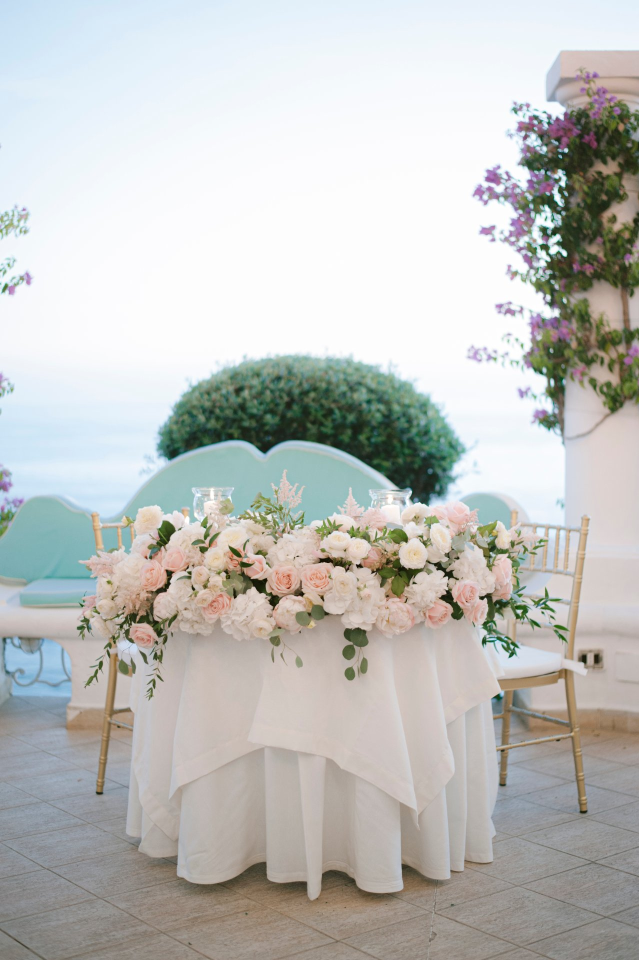 destination-wedding-positano-bride-groom-table