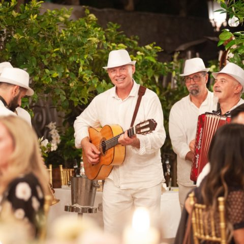 destination-wedding-positano-italian-music