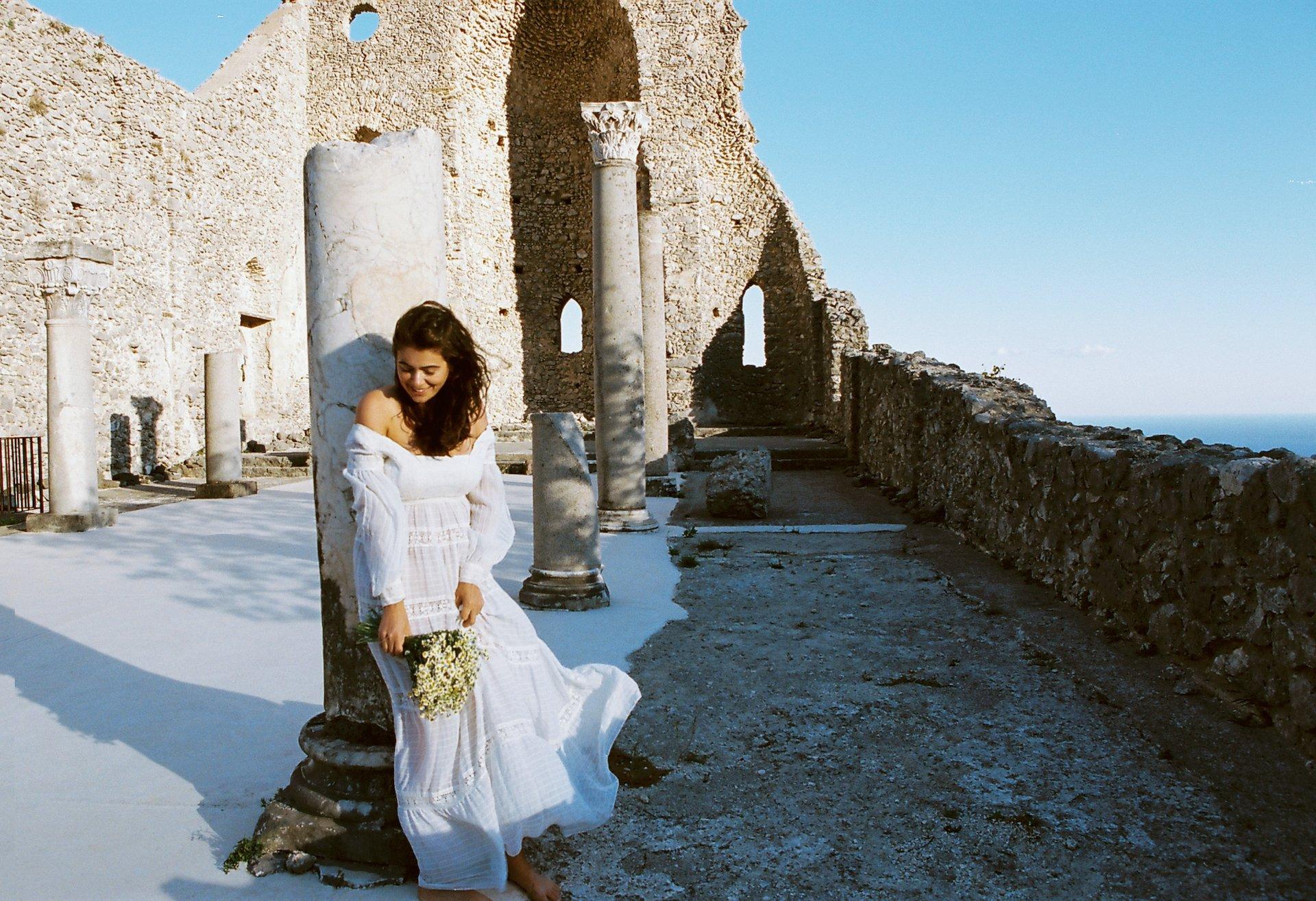 Bride colomn